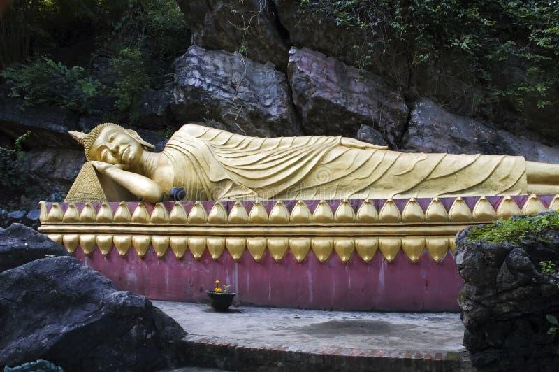 Buddha adagiantesi di Luang Prabang fotografia stock