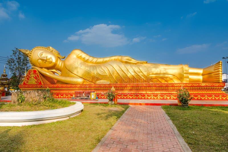 Buddha adagiantesi a Vientiane, Laos immagine stock libera da diritti