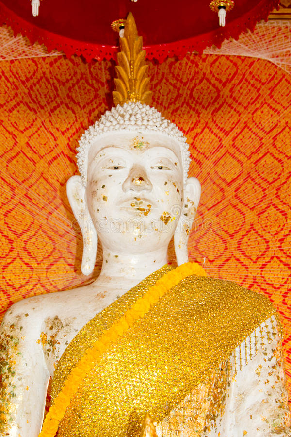 Buddha bianco a Wat Ton Chumsaeng Temple Phichit, Tailandia fotografia stock libera da diritti