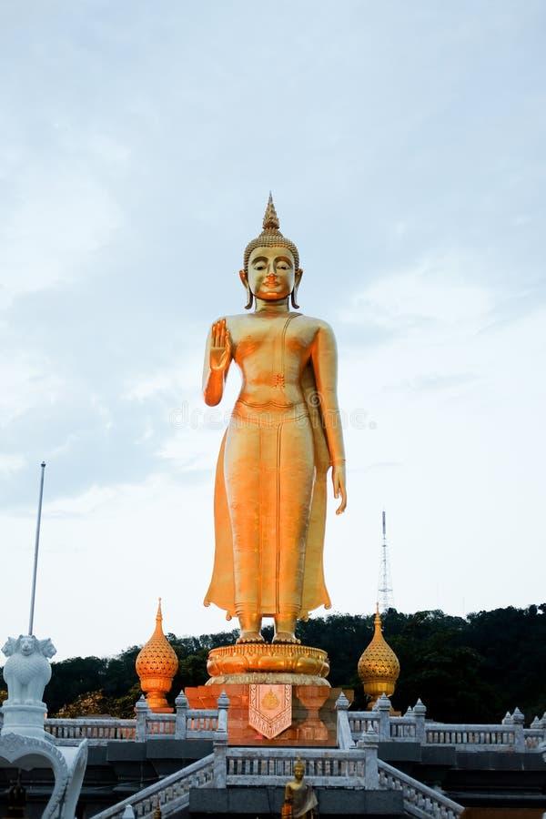 Buddha-Bild staue an allgemeinem Park Songkhal Hatyai stockbilder