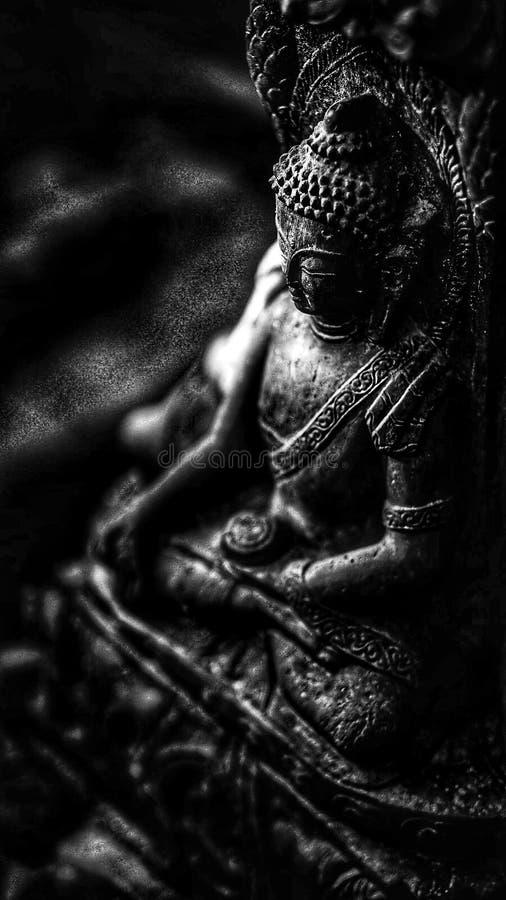 Buddha-black&white Ruhe Buddhismusanruf stockfoto