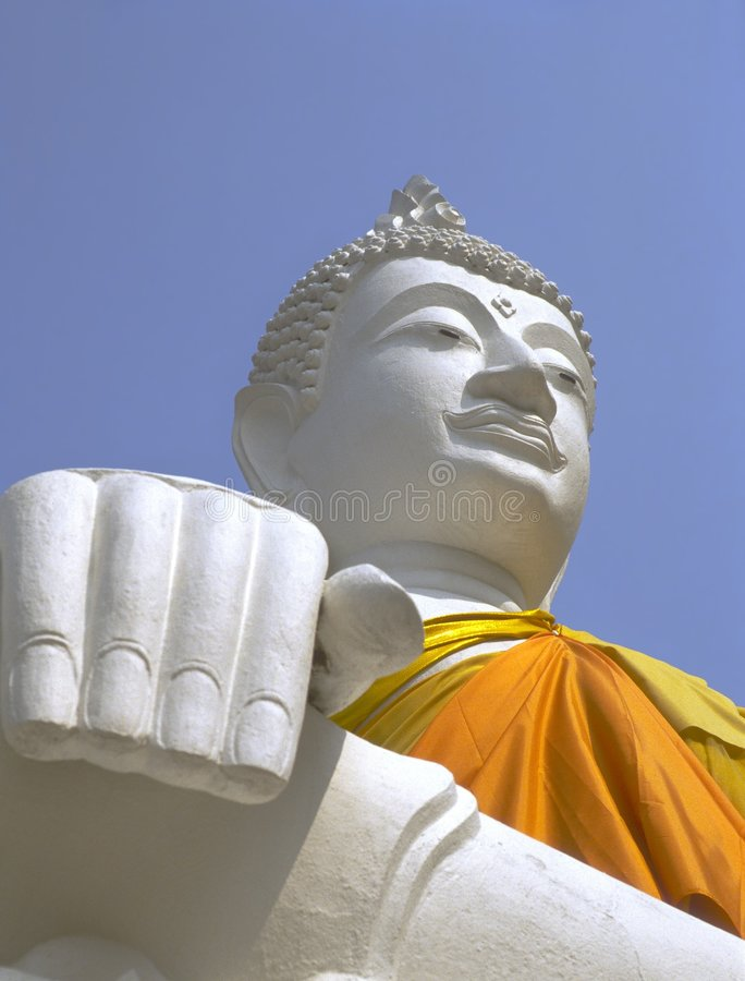 Buddha branco, Wat Yai Chai Mongkol, Ayutthaya imagem de stock