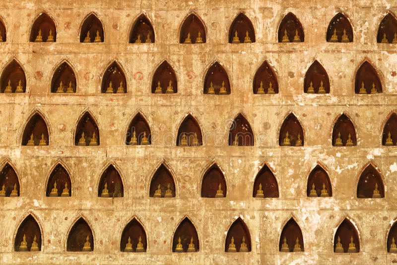 Buddha coloca a parede foto de stock royalty free