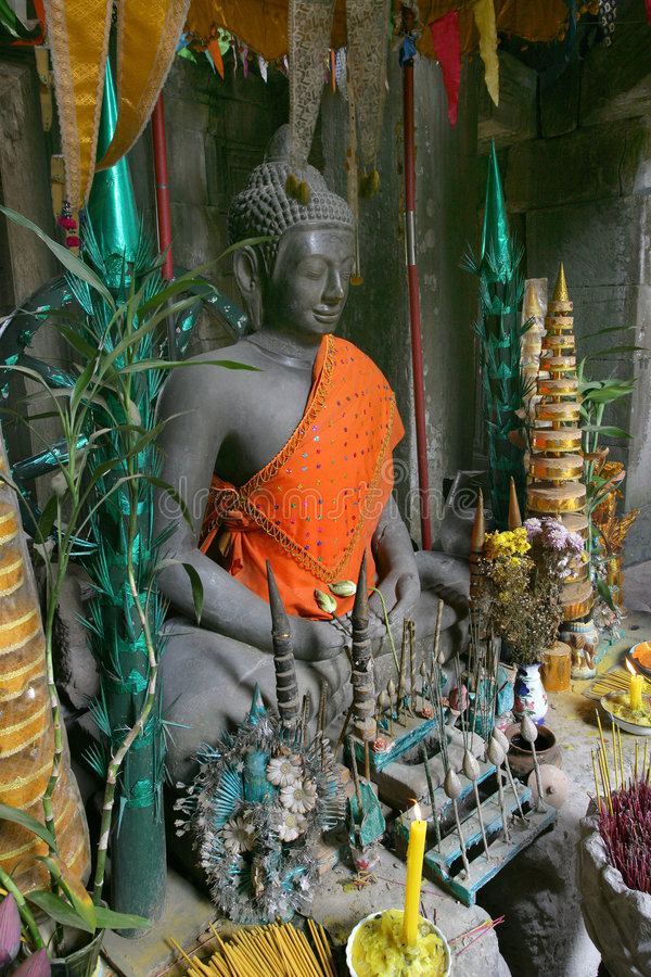 Buddha com ofertas fotos de stock