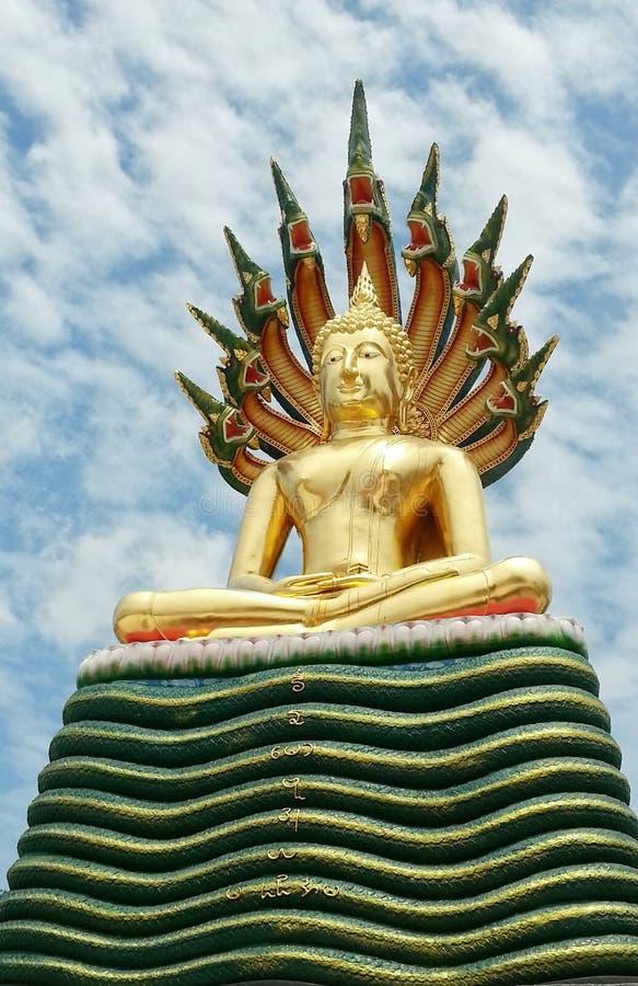 Buddha con il naga immagine stock