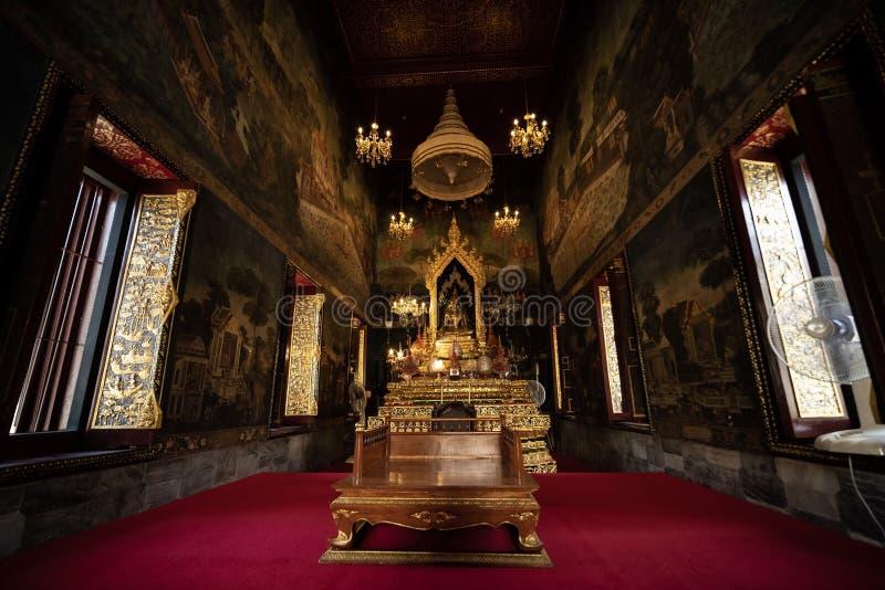 Buddha de oro imagenes de archivo