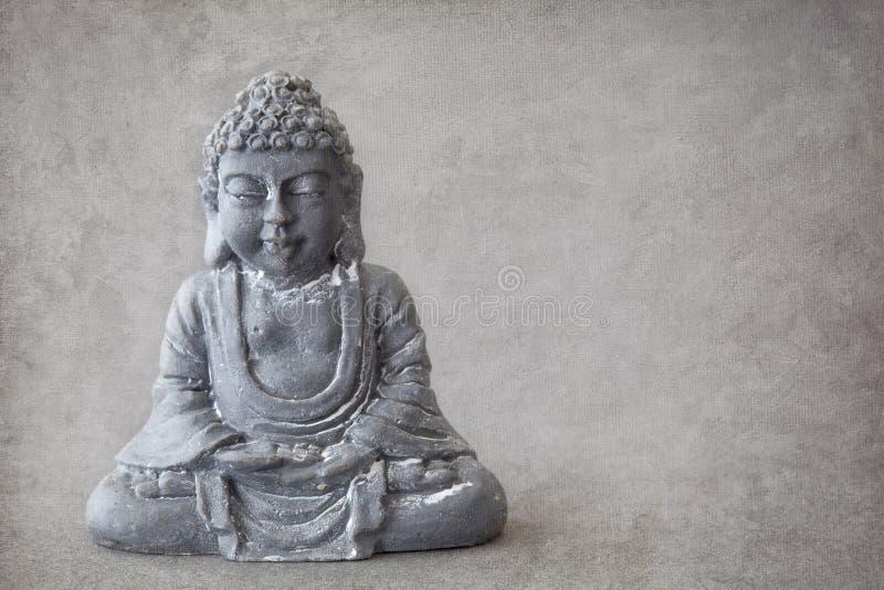 Buddha de piedra gris