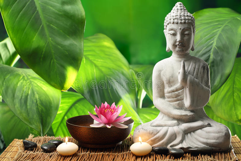 Buddha in der Meditation stockfoto