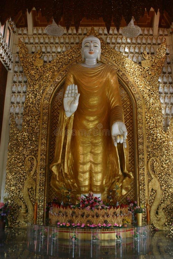 Buddha derecho Burmese fotos de archivo libres de regalías
