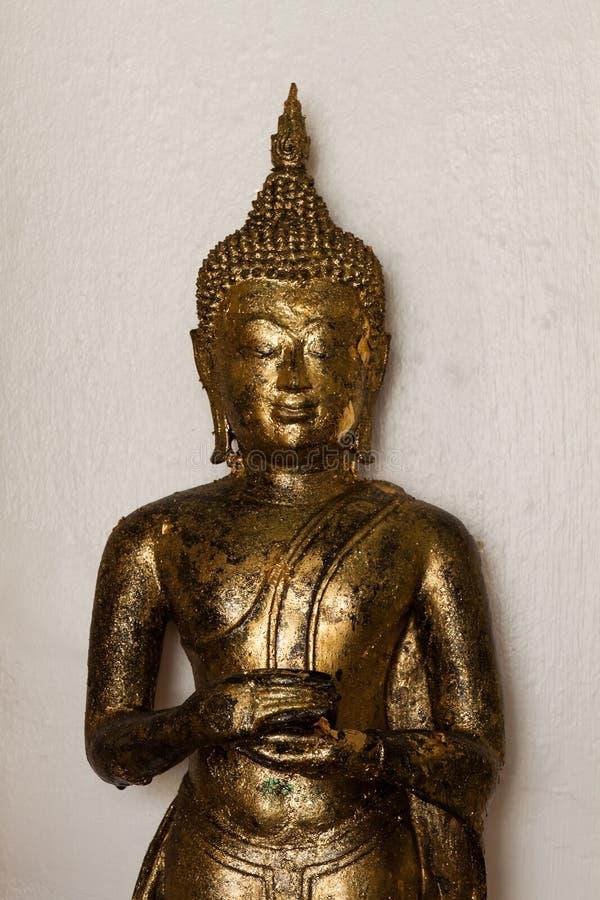 Download Buddha dorato fotografia stock. Immagine di pace, dorato - 55360150