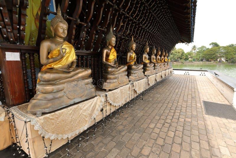 Buddha erscheint im Seema Malaka-Tempel von Colombo in Sri Lanka stockbild