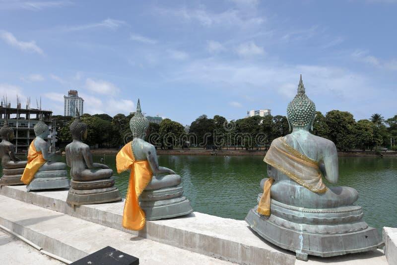 Buddha erscheint im Seema Malaka-Tempel von Colombo in Sri Lanka stockfotografie