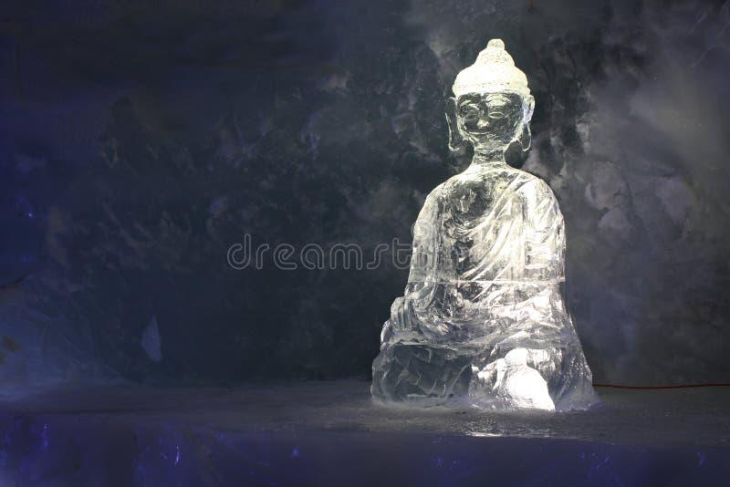 Buddha - escultura de gelo foto de stock royalty free