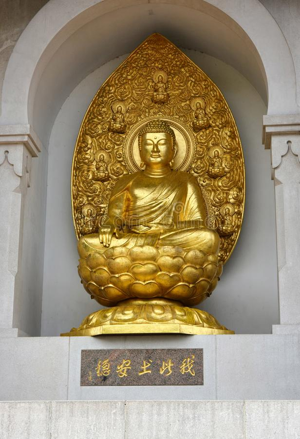buddha f?rgyllde Battersea fredpagod, London UK royaltyfria bilder
