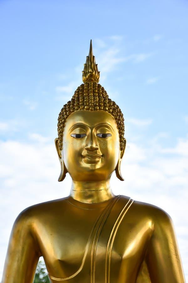 buddha framsidastaty royaltyfria bilder