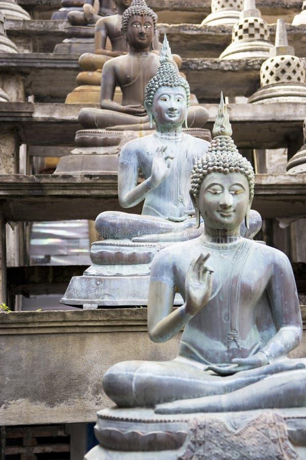 buddha gangaramaya statuy świątynne zdjęcie stock