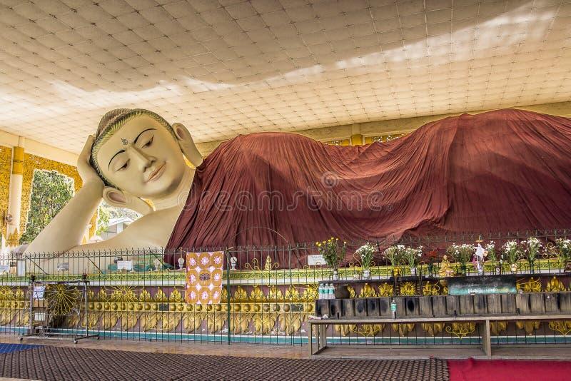Buddha gigante imagem de stock royalty free
