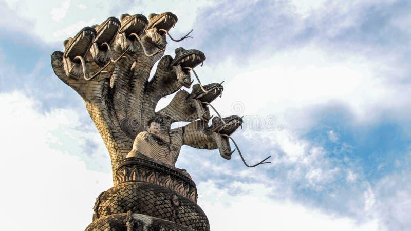 Buddha hinduska stylowa statua przy Sala Kaew Ku Nongkhai Tajlandia obraz royalty free