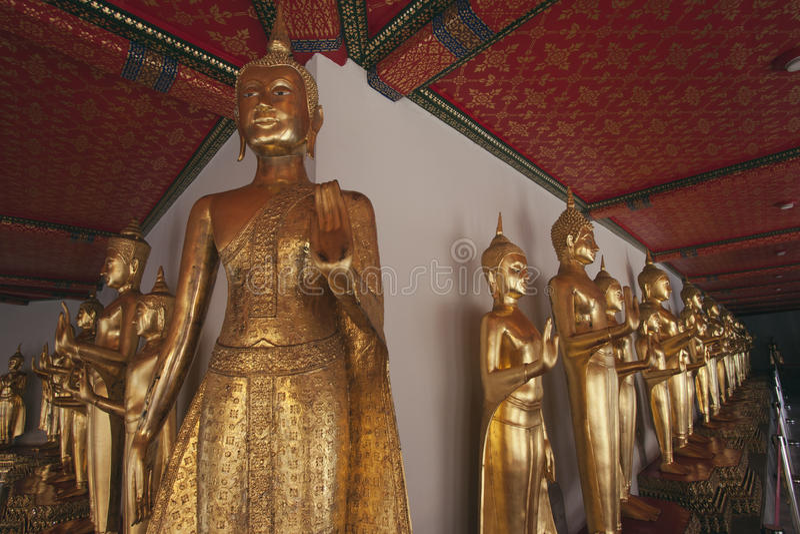 1000 Buddha i den Wat Po templet fotografering för bildbyråer