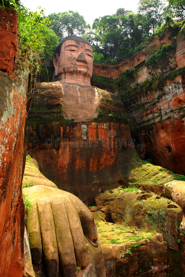 buddha jätte- leshan sichuan arkivfoton