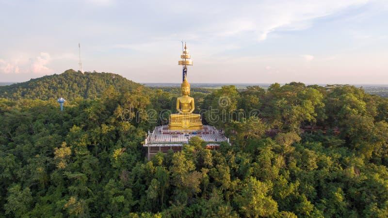 Buddha in Khao Kradong Forest Park, Buri Ram, Thailand stockbild
