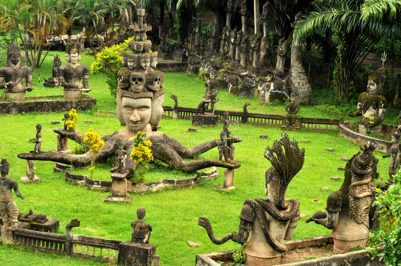 buddha laos park arkivbilder