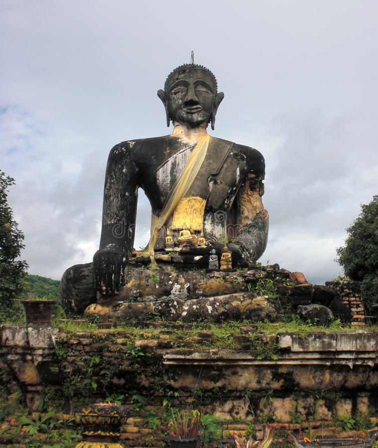 buddha laos staty arkivbilder