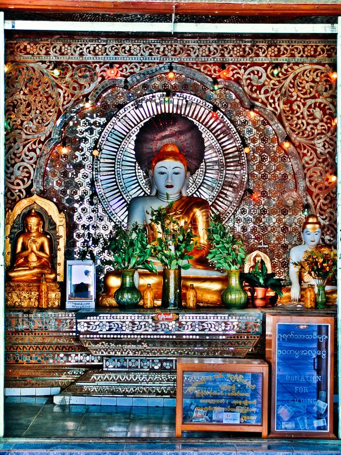 Buddha an Lawkananda-Pagode ein buddhistisches zedi gelegen in Bagan, Birma, Myanmar lizenzfreie stockfotos