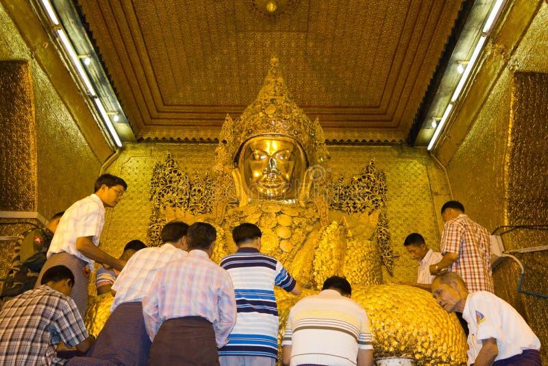 buddha mahamuni Mandalay Myanmar świątynia fotografia royalty free