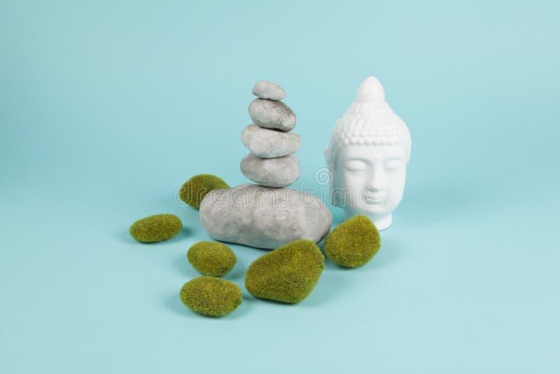 Buddha mech zen i skała zdjęcia stock