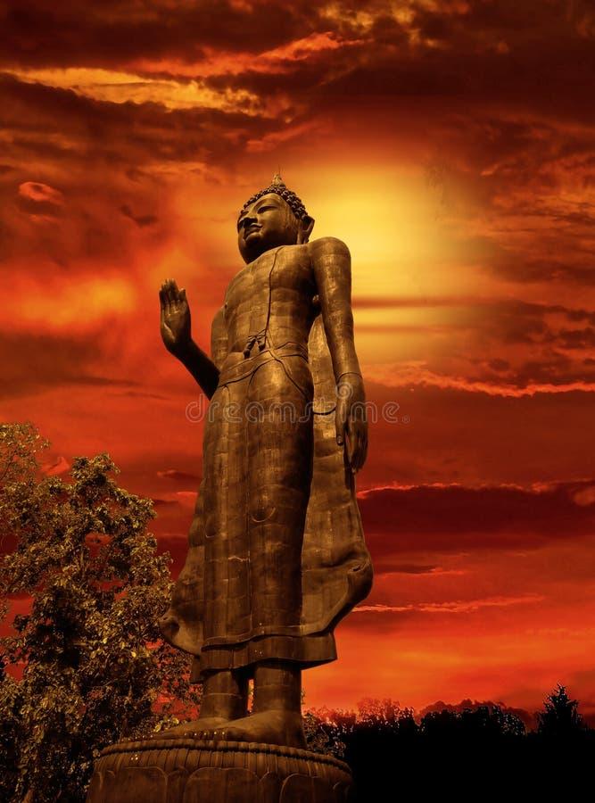 Buddha mroczny zmierzch obrazy royalty free