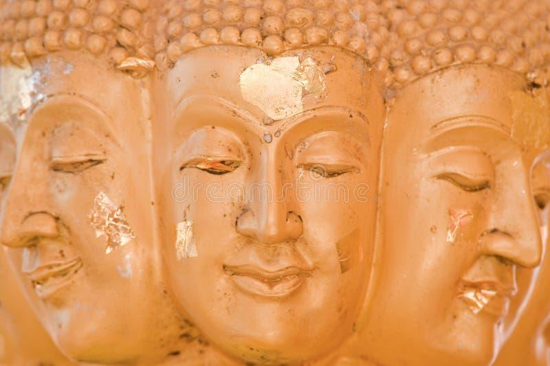 Buddha Muchos Hace Frente Al Primer Foto de archivo