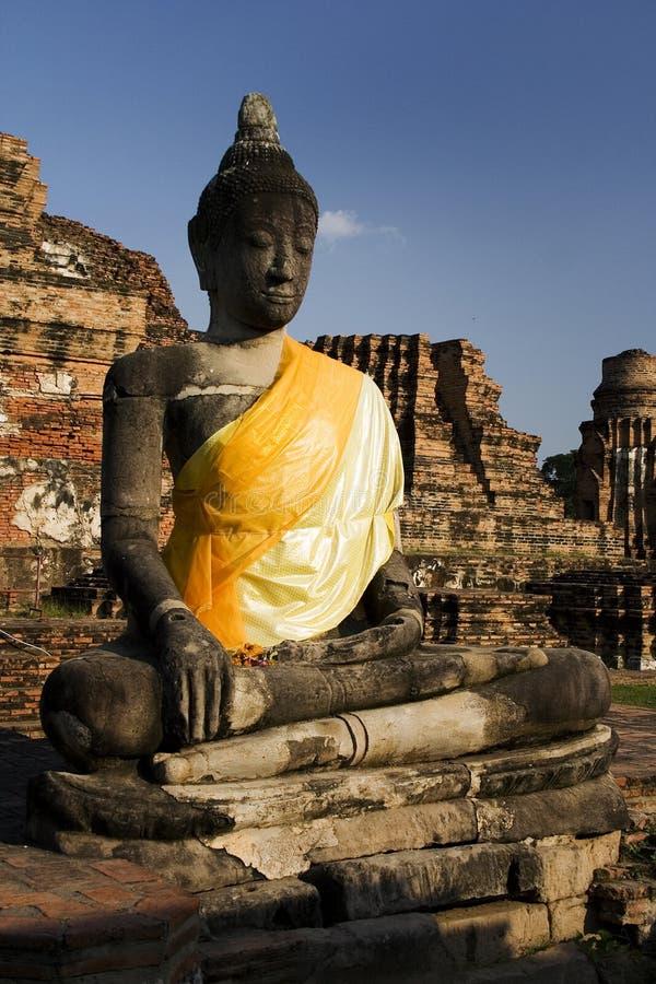 Buddha nel colore giallo, Tailandia fotografia stock
