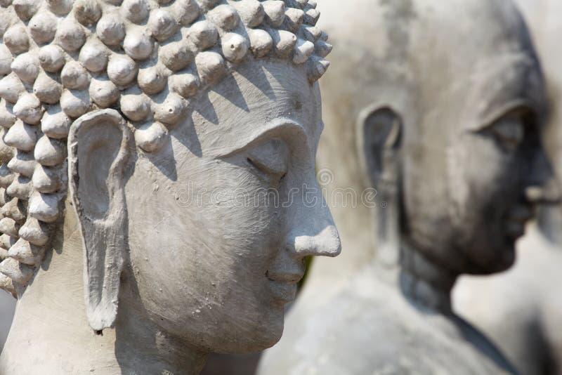 Buddha niezupełna statua, Płytki DOF zdjęcia stock