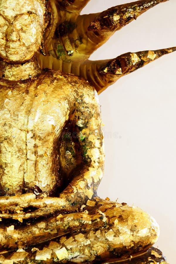 Buddha och nagaen. arkivbilder