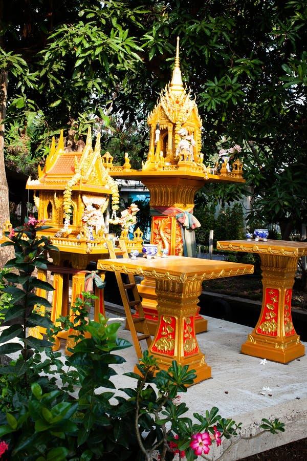 buddha offerings royaltyfria bilder