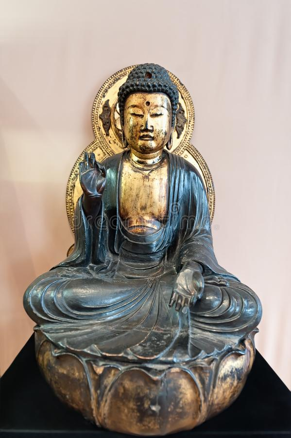 Buddha old small statuette royalty free stock photos