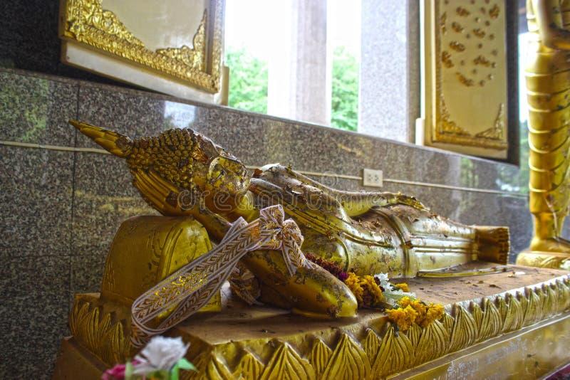 Buddha på Wat Sra Morakot royaltyfri bild