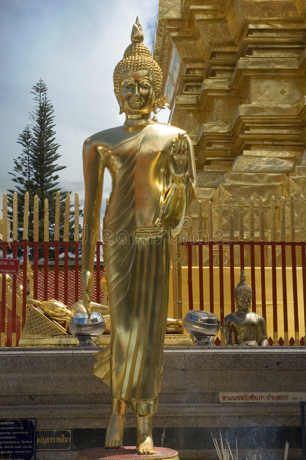 Buddha permanente en Chiang Mai foto de archivo libre de regalías