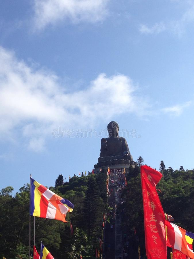 Buddha/Po gigante Lin Monastery en Hong Kong imagenes de archivo