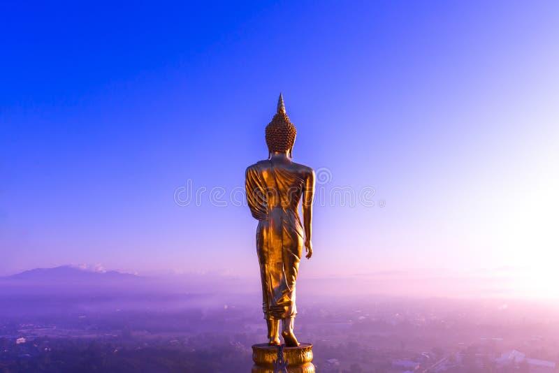 Buddha pozycja na halnym Wacie Phra Ten Khao Noi zdjęcia royalty free