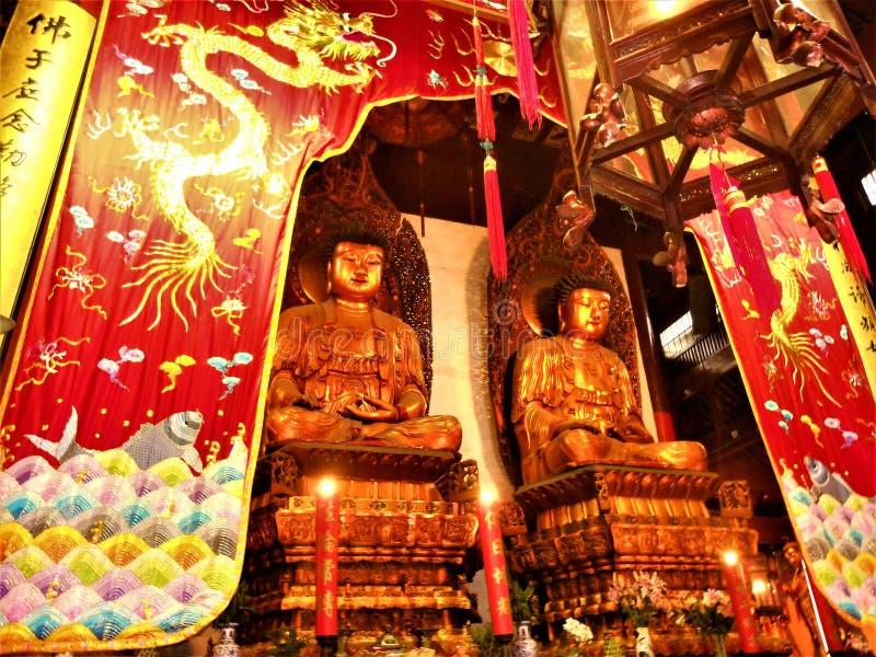 Buddha rzeźby, sztuka i religia w Chiny, fotografia royalty free