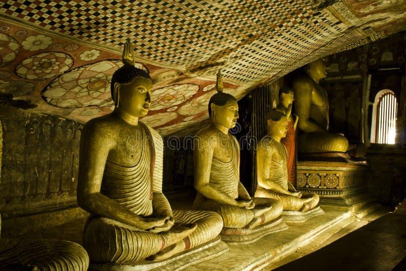 buddha scava il tempiale dorato di sri di lanka di dambulla fotografia stock libera da diritti