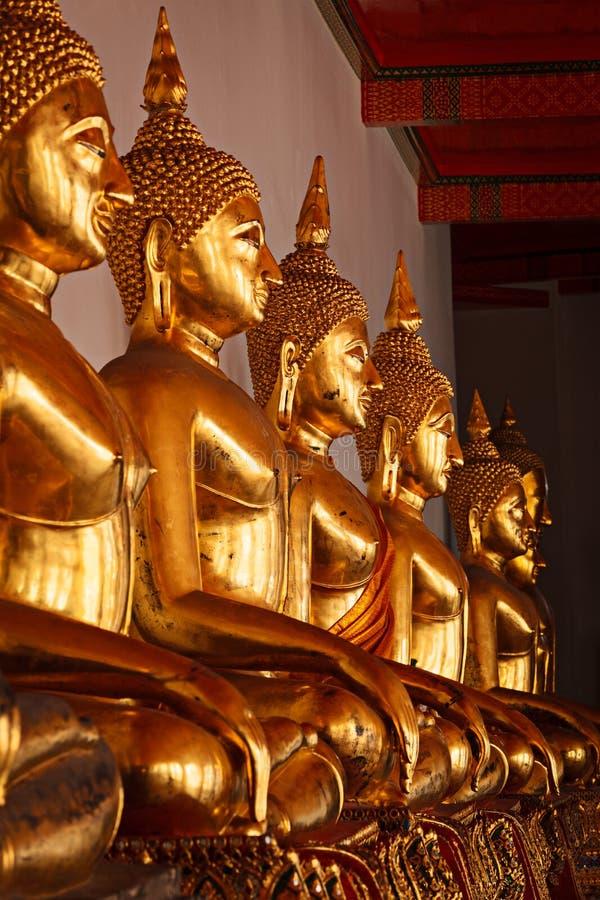 buddha sittande statyer thailand royaltyfria bilder