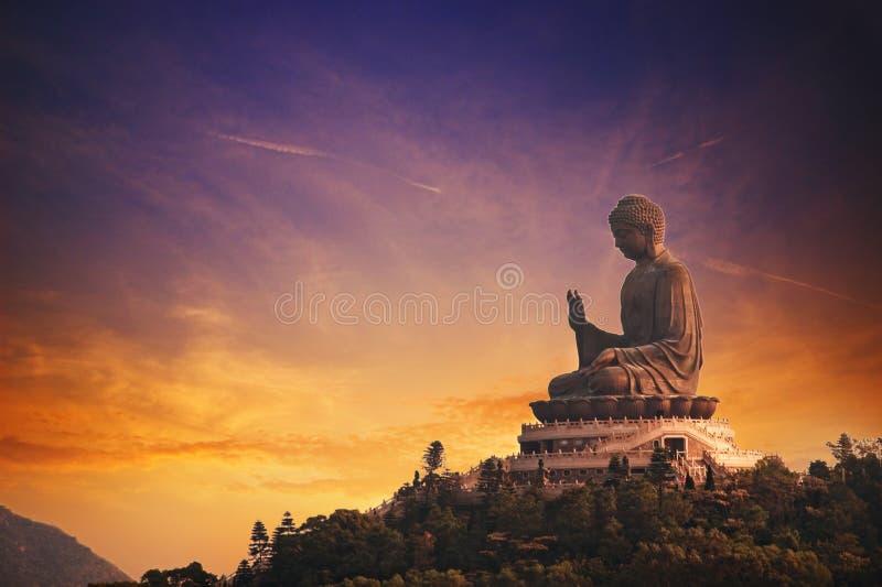 buddha solbränt tian royaltyfri foto