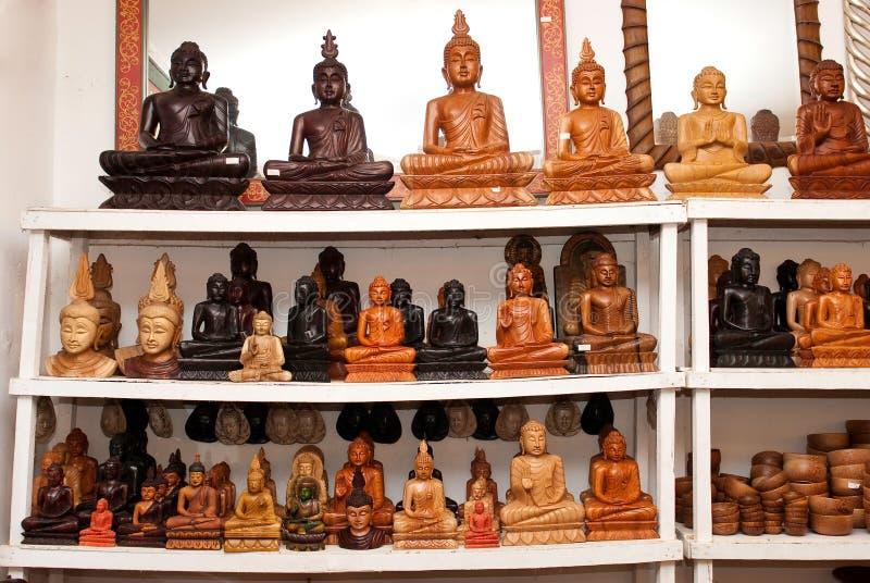 buddha som säljer statyer arkivbild