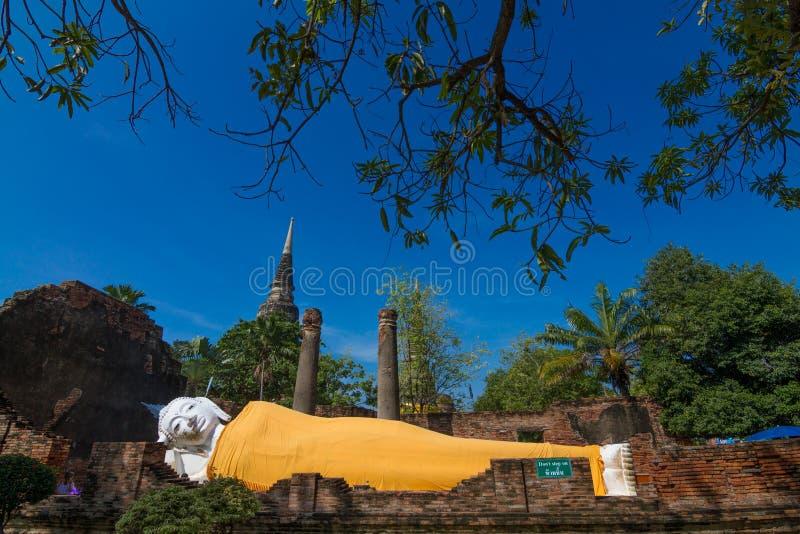buddha sova staty fotografering för bildbyråer