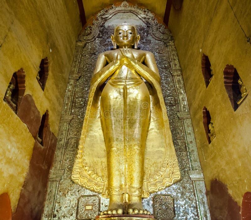 Buddha-Statue in der Pagode bei Bagan, Myanmar lizenzfreies stockfoto