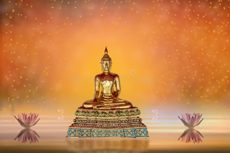 Buddha-Statue im Wasserteich und Lotosblumen auf orange Farben des Zusammenfassungshintergrundes lizenzfreies stockbild