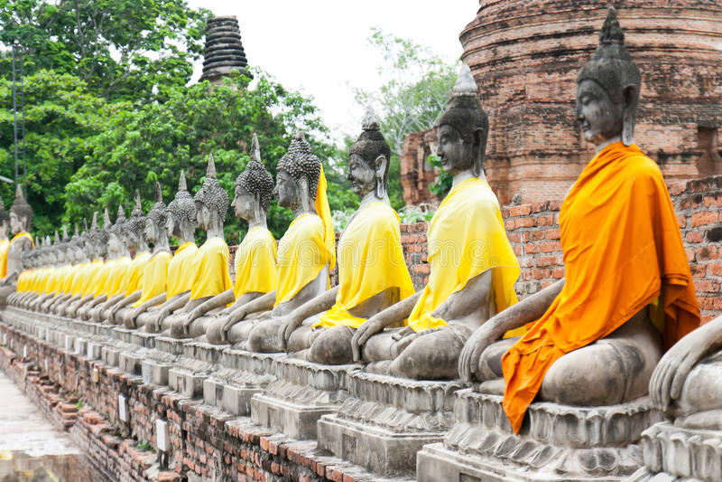 BUDDHA-STATUEN THAILAND lizenzfreies stockbild